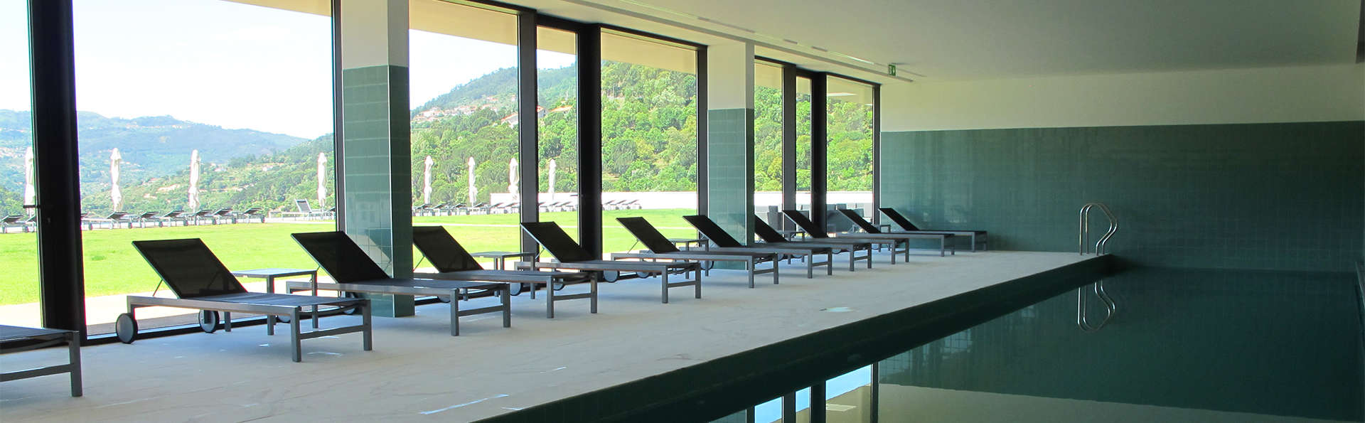 Spécial de luxe : détente avec spa, petit-déjeuner en chambre et dîner romantique à Ribadouro