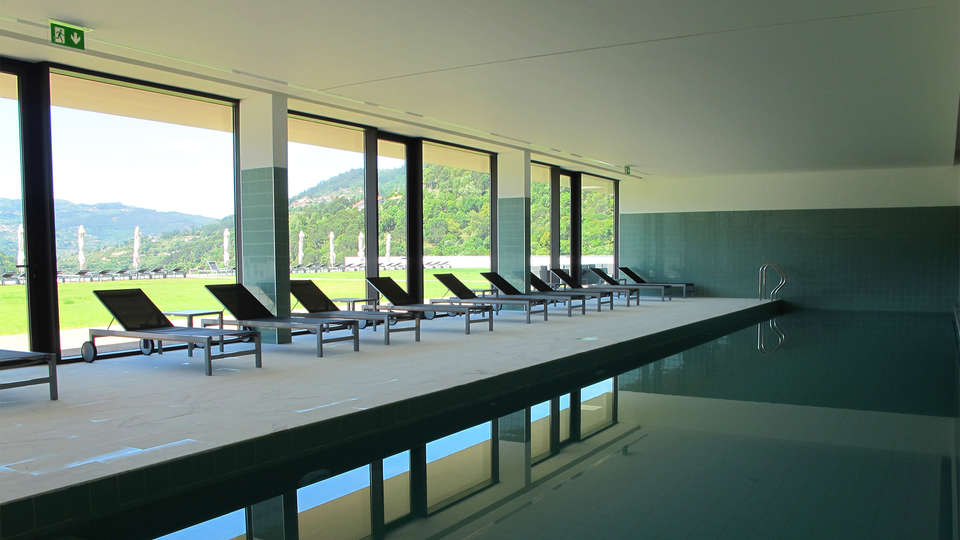 Douro Royal Valley Hotel & Spa - EDIT_Pool1.jpg