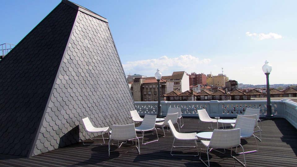 Grande Hotel do Porto - EDIT_terrace1.jpg
