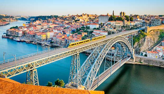 Escapada con degustación de vinos en un elegante hotel de Oporto