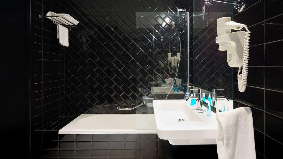 Costa del Sol Torremolinos Sustainable Boutique Hotel - Edit_bathroom2.jpg