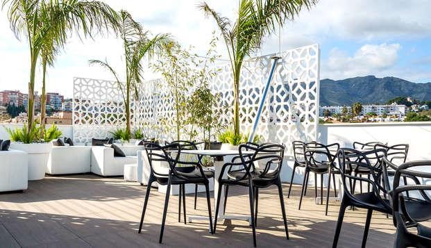 Escapada con cena, jacuzzi, piscina y mucho más en Torremolinos, Málaga