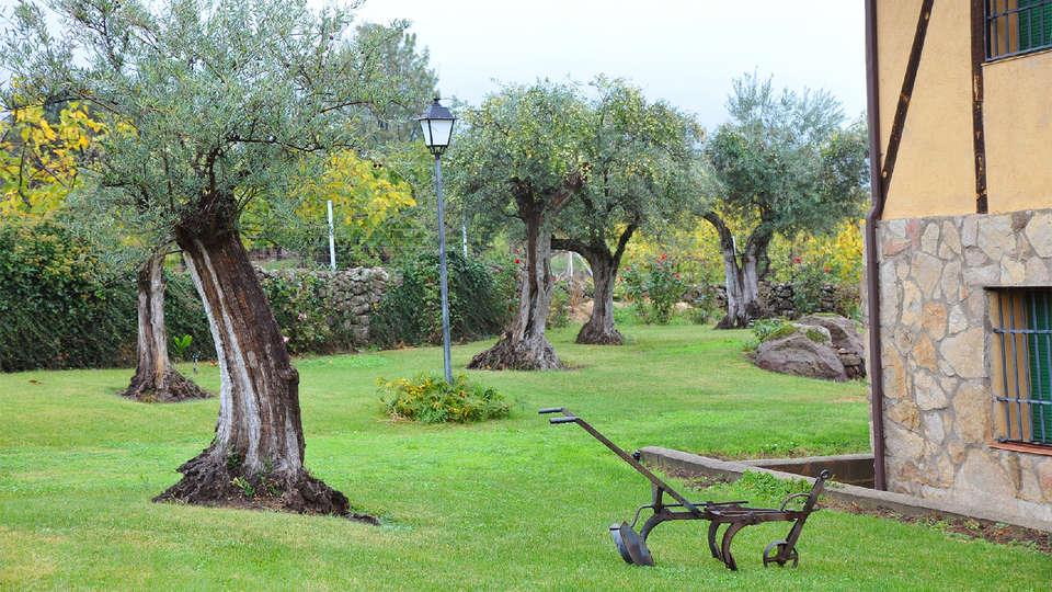 Hostería Fontivieja - EDIT_Garden.jpg