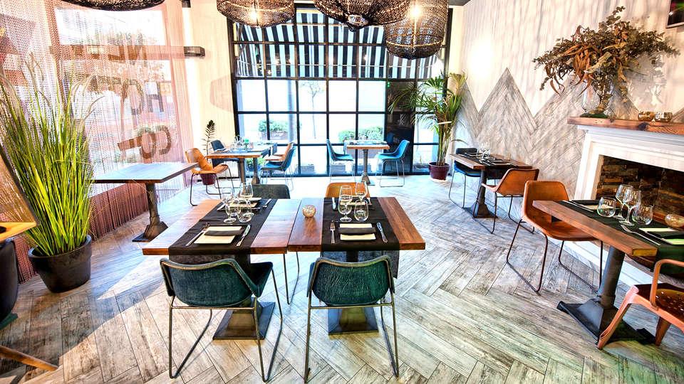 New Hotel Colón - Edit_Restaurant2.jpg