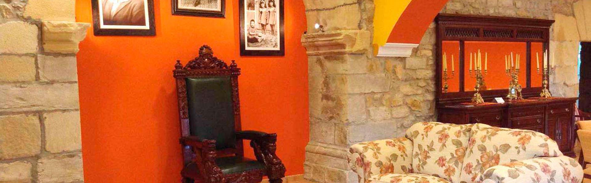 Hotel Casona los Caballeros - EDIT_salon1.jpg