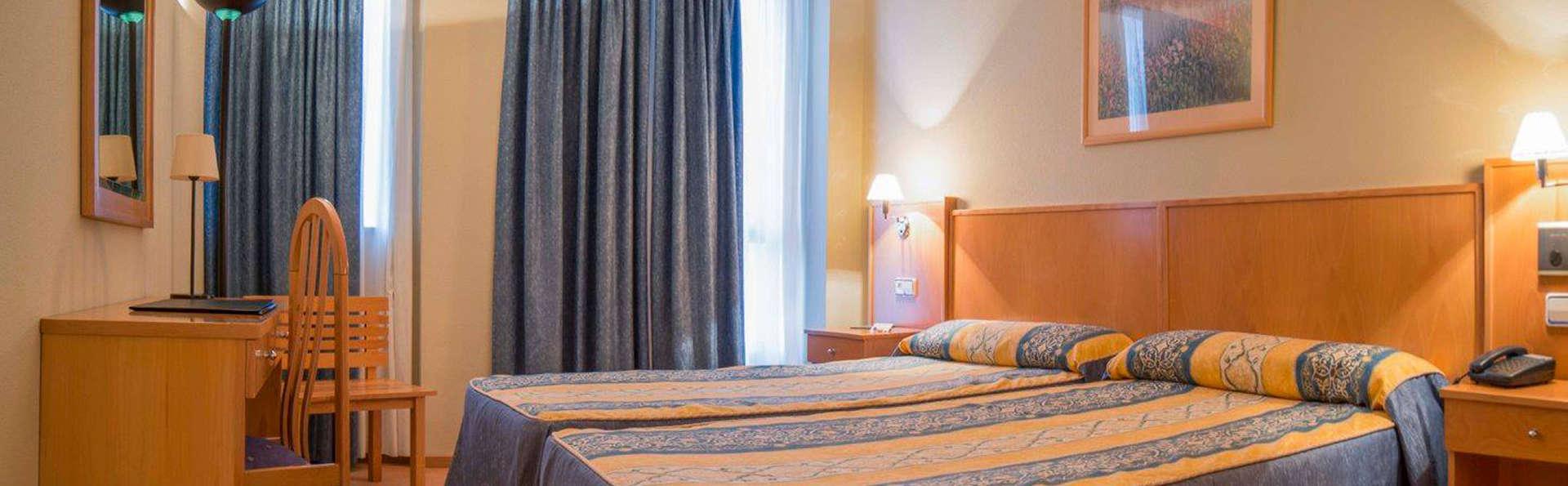 Hotel Castelao - EDIT_room7.jpg