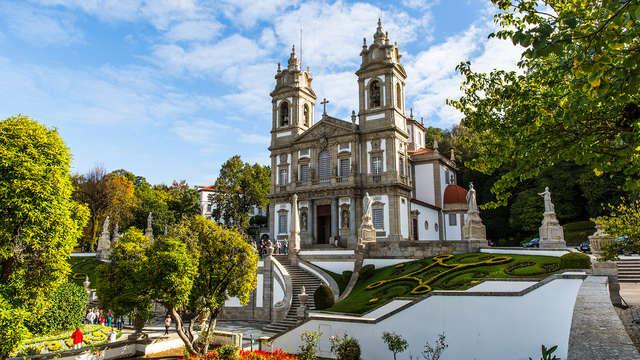 Ga op ontdekking van Braga, inclusief spa en een fles wijn