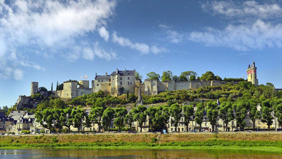The Originals City, Hôtel Le Lion d'Or, Chinon (Inter-Hotel) - EDIT_Forteresse-Royale-de-Chinon.jpg