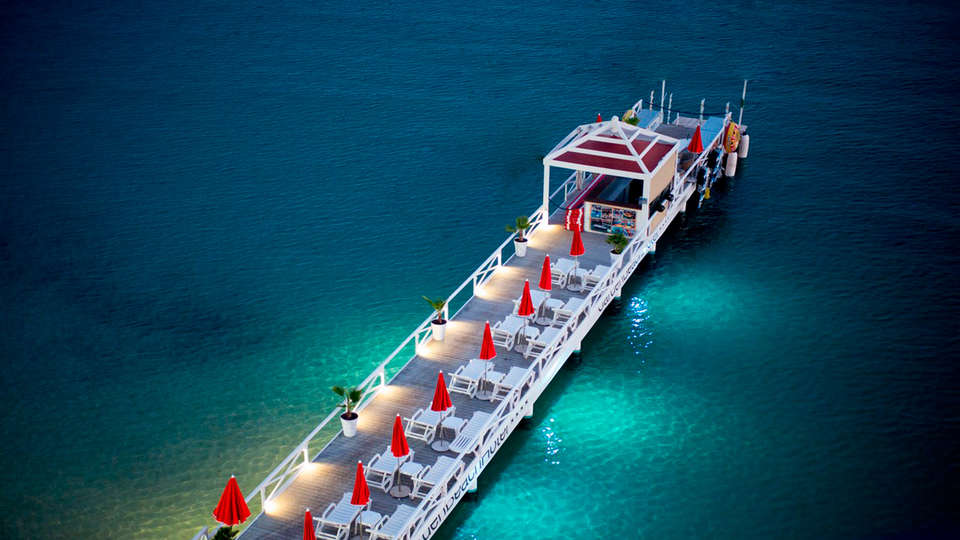 Garden Beach Hotel - edit_new_bridge.jpg