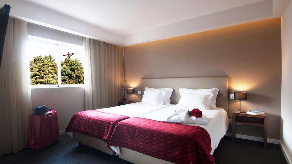 Hotel Regina - EDIT_room1.jpg