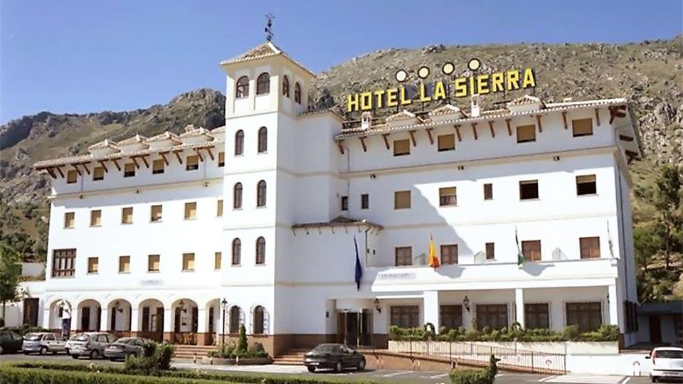 Hotel Restaurante La Sierra - EDIT_front1.jpg