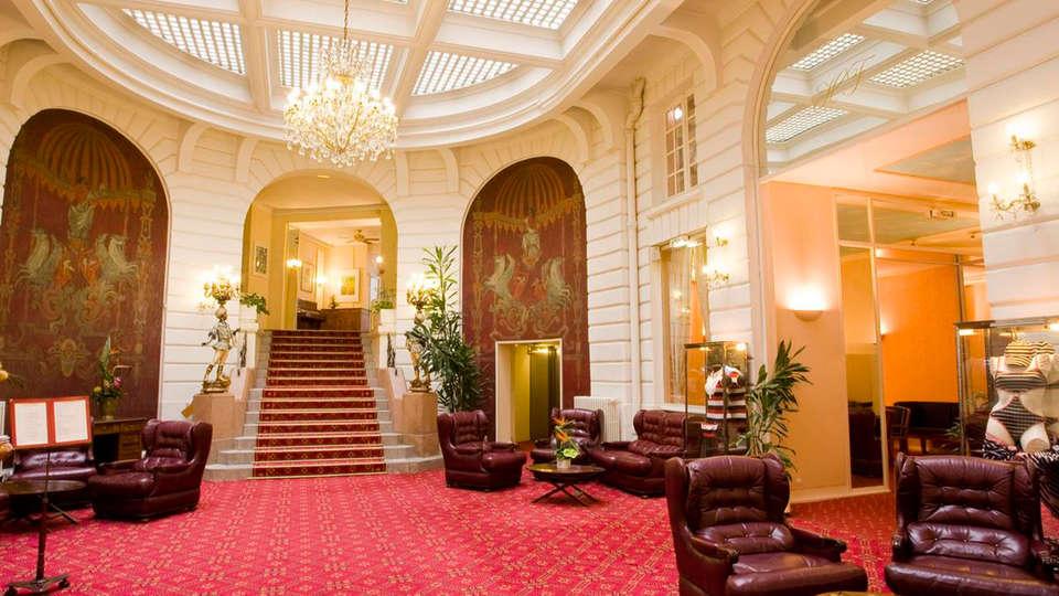 Oceania Hotel de France Nantes - EDIT_hall.jpg
