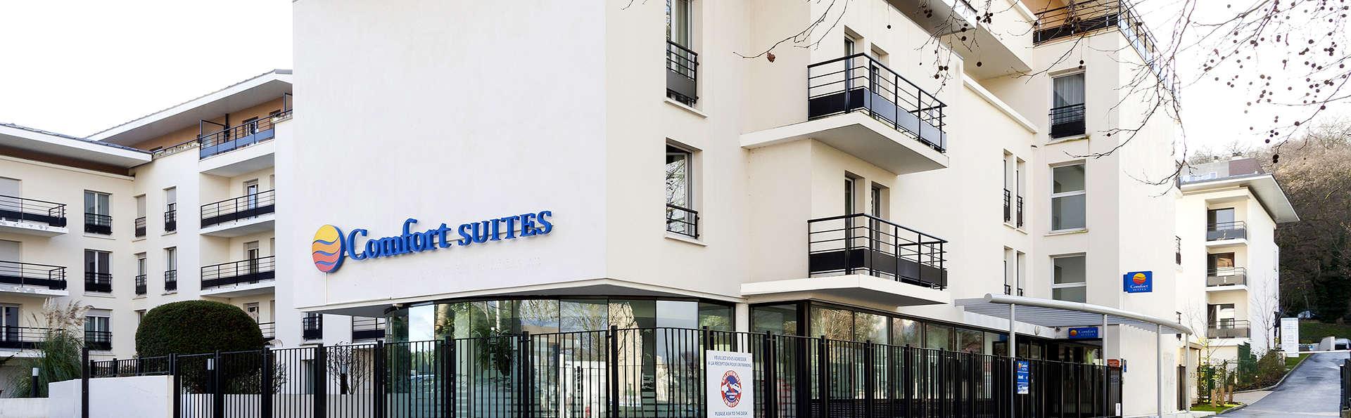 Comfort Suites Le Port Marly 3