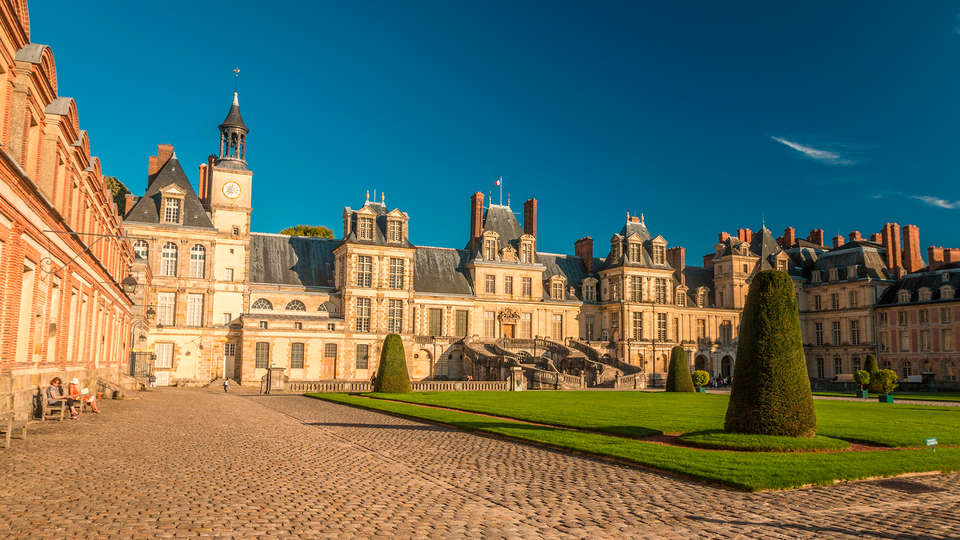 Château de Bourron - edit_Fontainebleau3.jpg