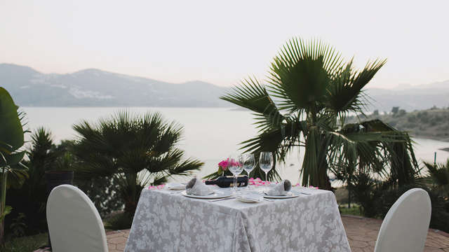 Week-end romantique avec dîner à la Viñuela en Andalousie