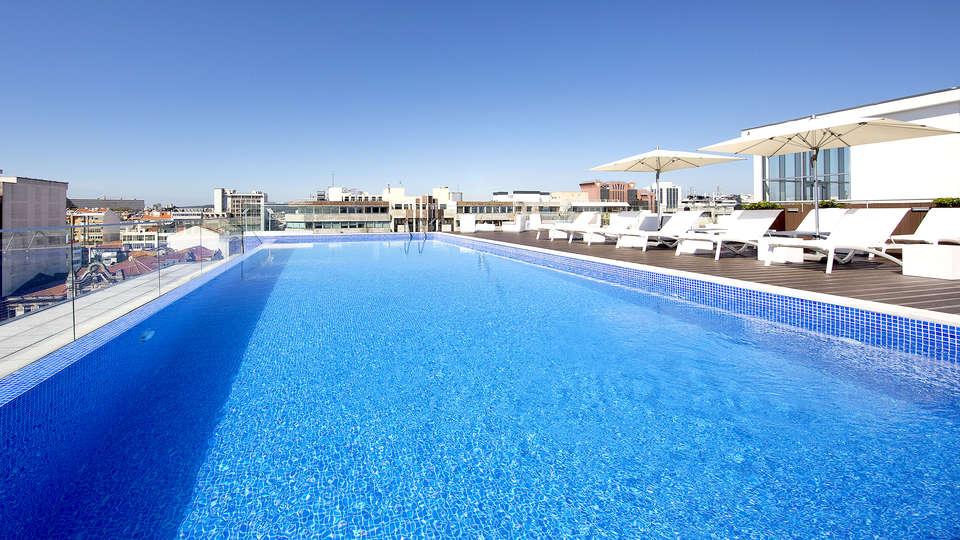 Jupiter Lisboa Hotel - Edit_Pool.jpg