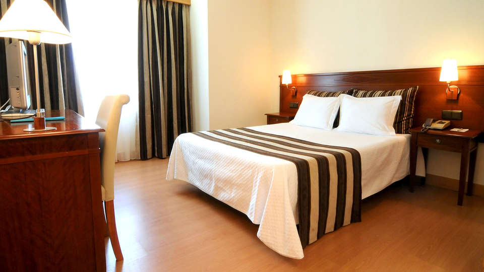 Hotel Exe Wellington - Edit_room2.jpg