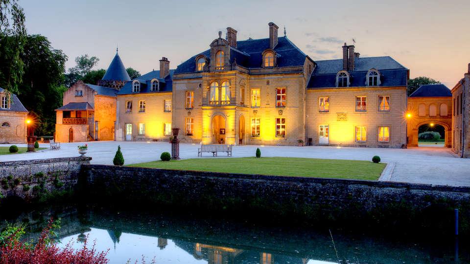 Domaine Château du Faucon  - Edit_Front3.jpg