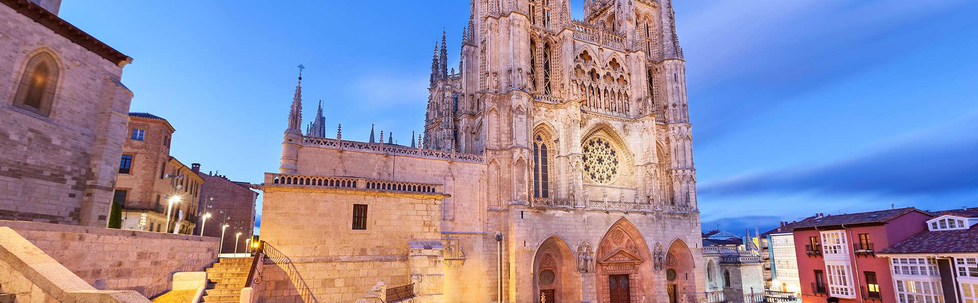 Escapada con encanto a un paso de Burgos con desayuno incluido