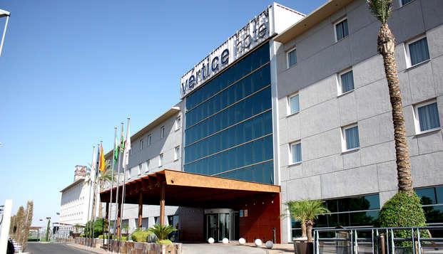 Oferta exclusiva: alójate al lado de Sevilla en un hotel con parking y piscina