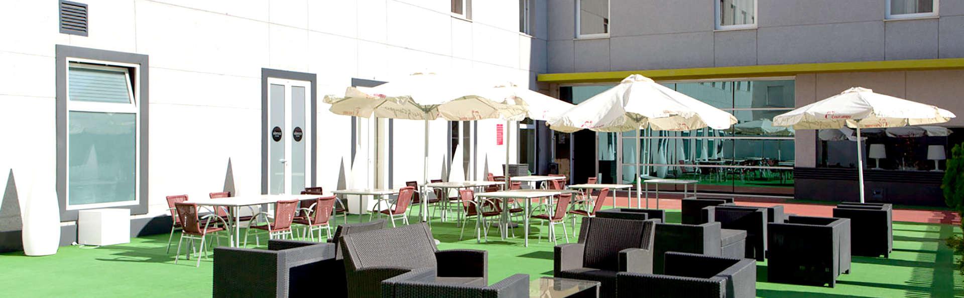 Hotel Vértice Aljarafe - Edit_Terrace.jpg