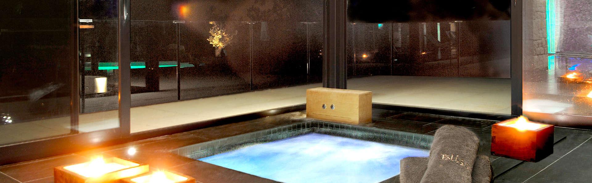 Séjour romantique avec bain de fleurs, champagne, spa et dîner à Calders