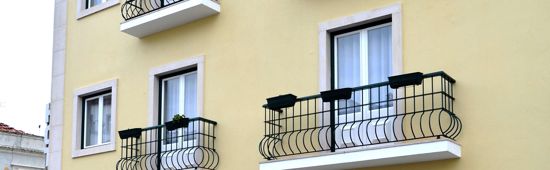 Hotel Torres Novas - Edit_Front2.jpg