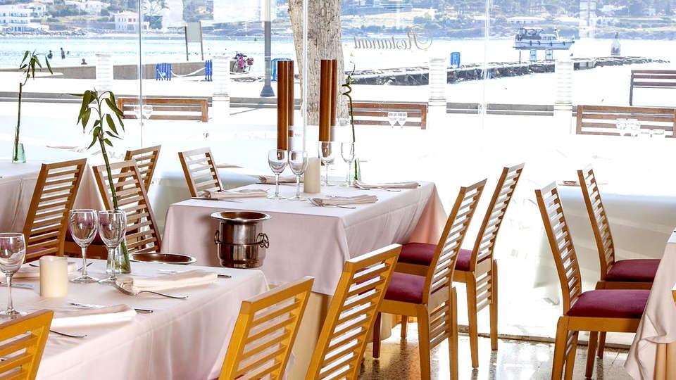 Hotel Spa Porto Cristo - Edit_Restaurant.jpg