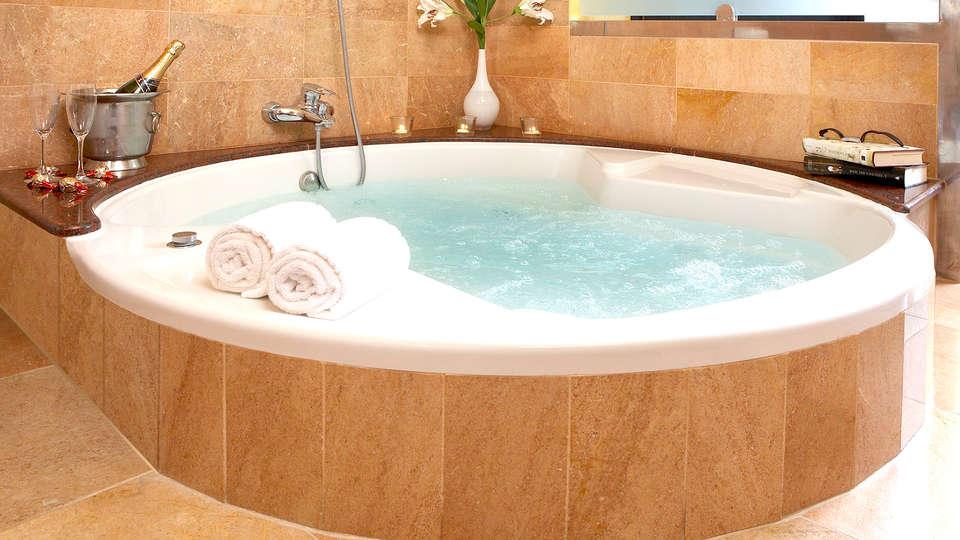 Hotel Spa Porto Cristo - Edit_Romantic.jpg