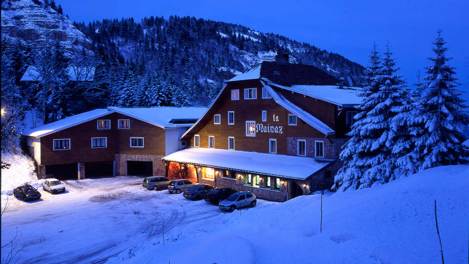 Hotel The Originals La Mainaz Restaurant & Resort (ex Relais du Silence) - edit_front_winter1.jpg