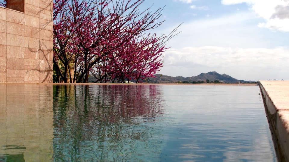 Hotel Spa La Romana - Edit_Pool.jpg