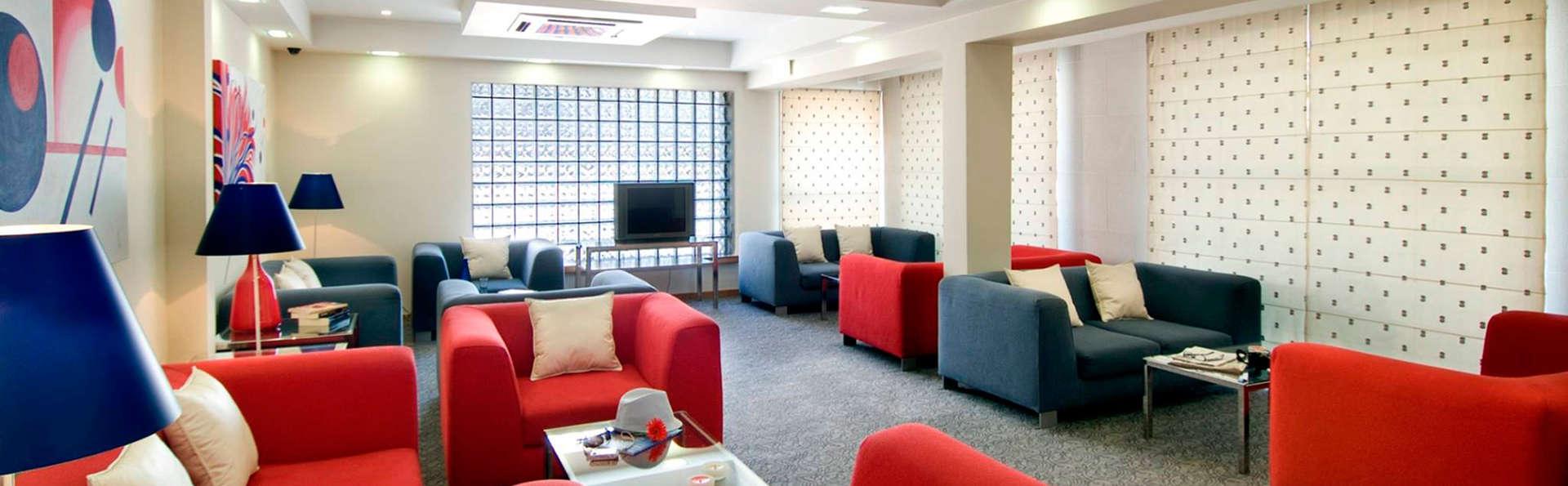 Hotel Cruz Alta - EDIT_sala1.jpg
