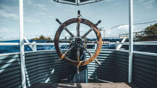 con paseo en barco