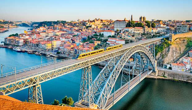 Escapada romántica con cena en Oporto