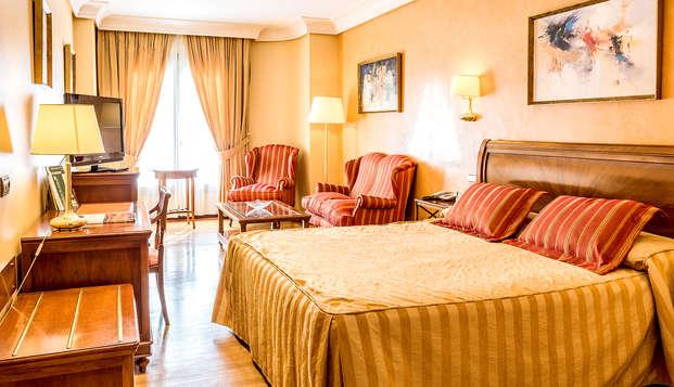 Lujo en suite superior con bañera hidromasaje, spa y cena gourmet en Ciudad Real