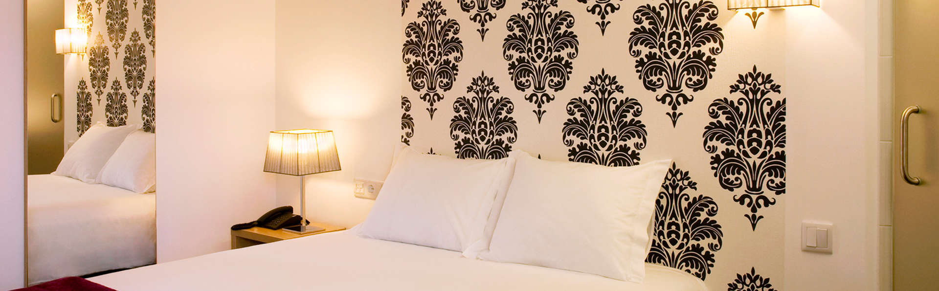 Hotel Genesis - EDIT_room.jpg