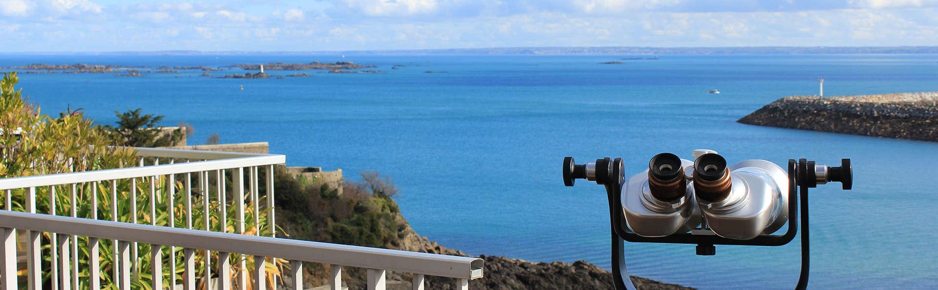 Escapada junto al mar en un hotel con vistas al mar entre Saint-Brieuc y Perros-Guirec