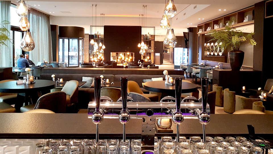 Van der Valk Hotel Groningen-Hoogkerk - Edit_bar.jpg