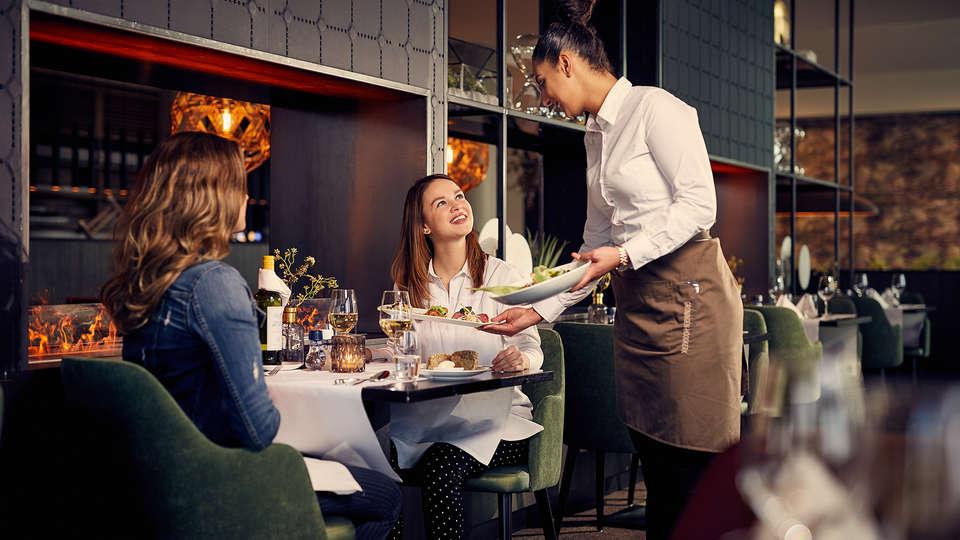 Van der Valk Hotel Groningen-Hoogkerk - Edit_Restaurant.jpg