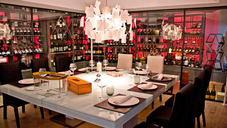 Hotel Hidalgo - EDIT_restaurant2.jpg