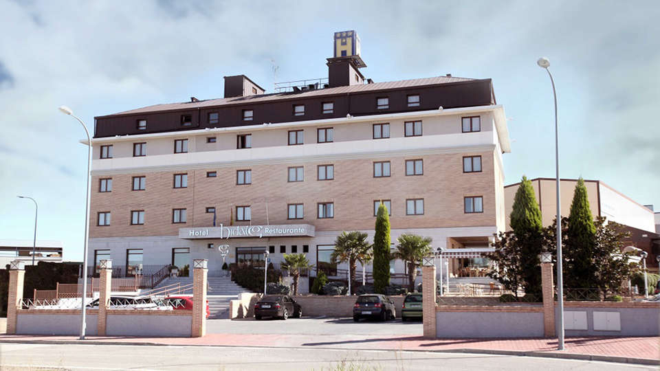 Hotel Hidalgo - EDIT_front.jpg