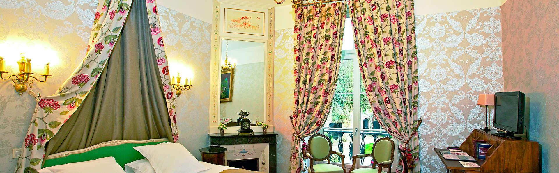 Château de Pray - EDIT_room.jpg