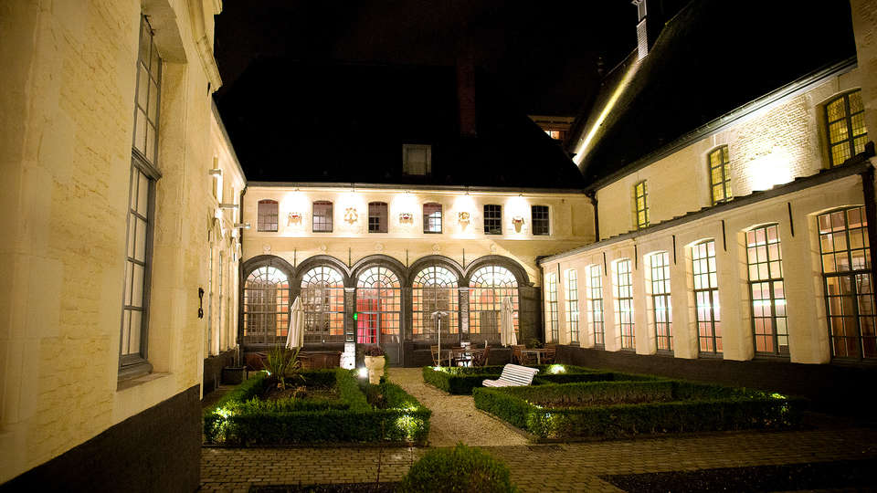 L'Hermitage Gantois, Autograph Collection - Edit_Garden.jpg