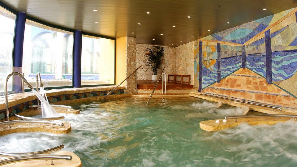 Hotel La Laguna Spa & Golf - EDIT_spa2.jpg