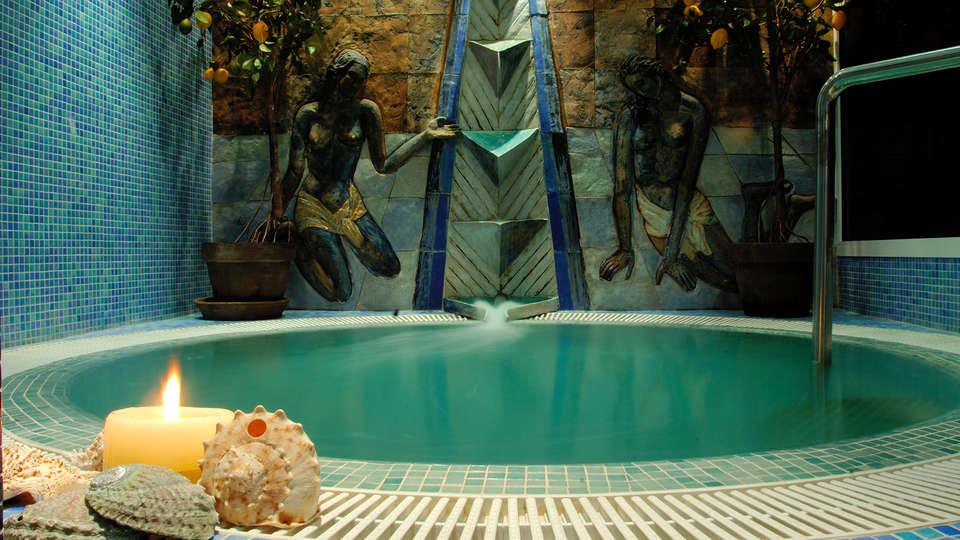 Hotel La Laguna Spa & Golf - EDIT_spa1.jpg