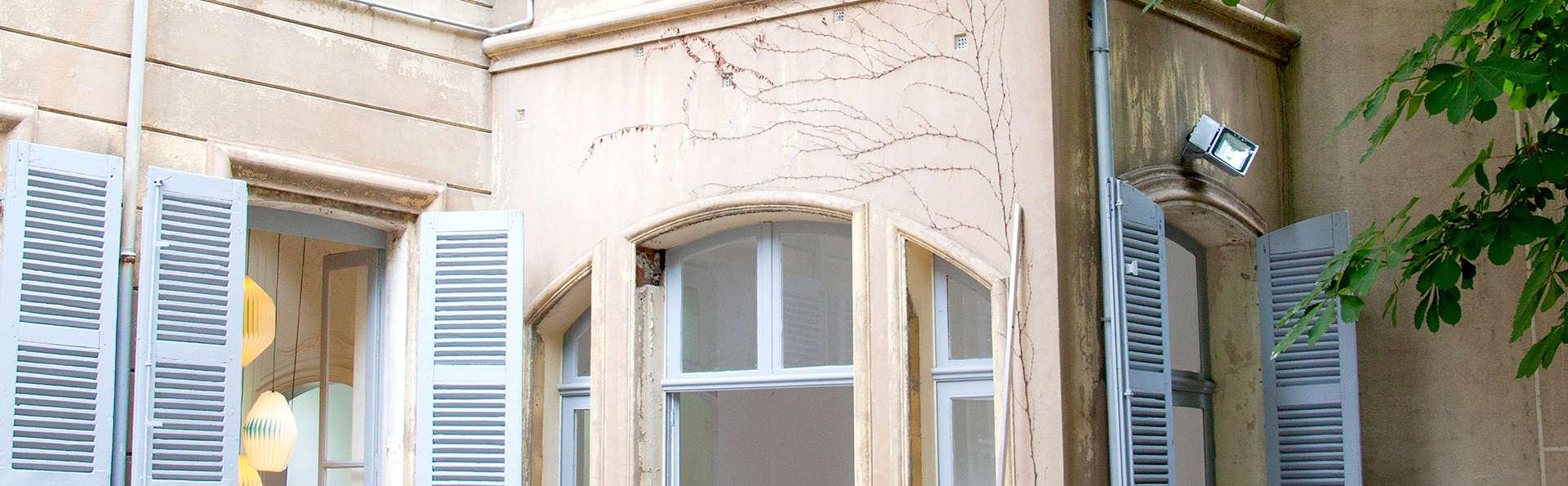 Maison Montgrand Marseille Vieux-Port - Edit_front.jpg