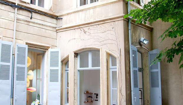 Maison Montgrand Marseille Vieux-Port - front