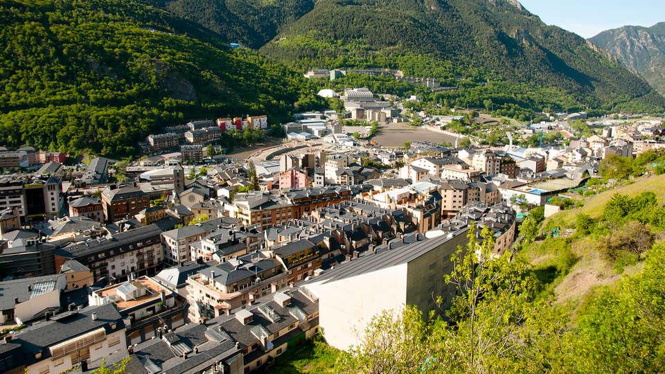 Hotel Roc Blanc - Edit_Andorra2.jpg