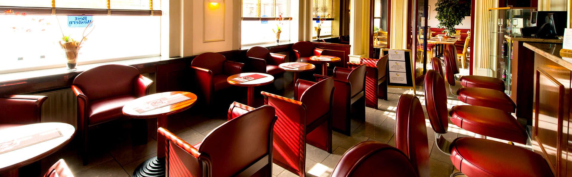 Univers Hotel Brasserie - Edit_Bar4.jpg