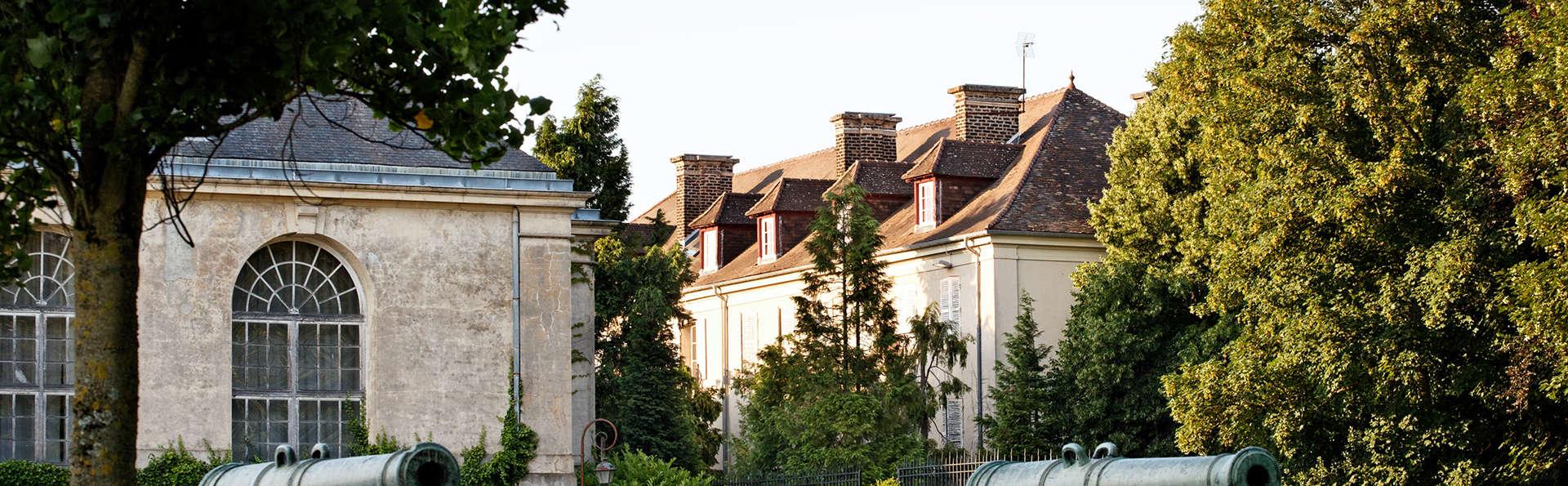 Hôtel La Petite Verrerie - EDIT_exterior1.jpg